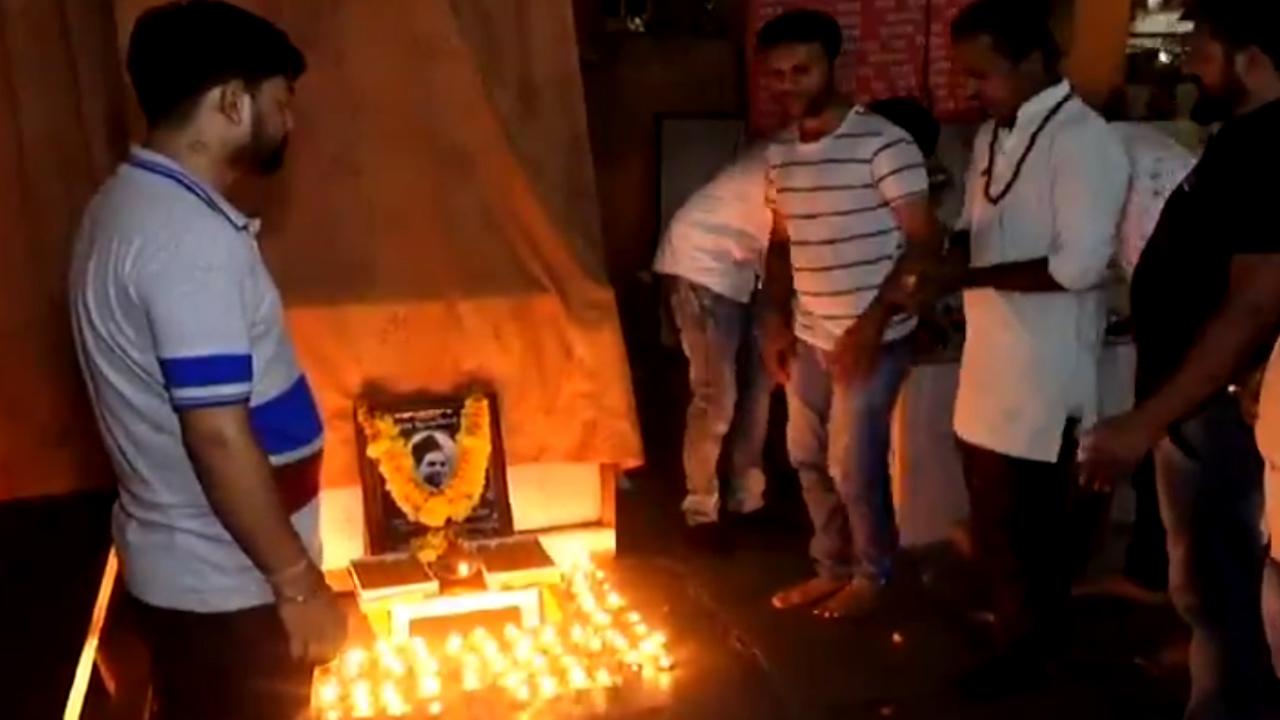 Modi's birthday organizes Nathuram Godse's birthday in Gujarat