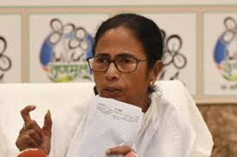 बंगाल में ममता गद्दारों की तलाश में जुटीं