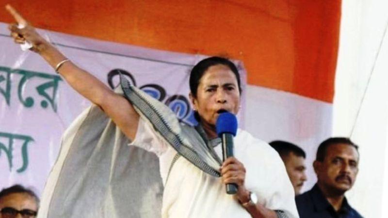 क्या ममता बनर्जी धर्म की राजनीति भड़का रही हैं