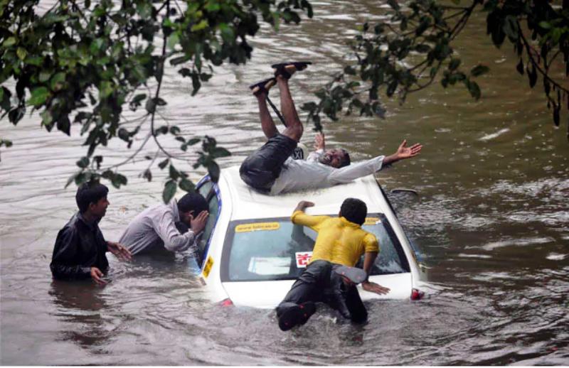 मुंबई में भारी बारिश की आशंका अब तक 4 की मौत