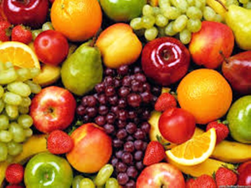फल खाने के शौकीन इन बातों का रखें ध्यान