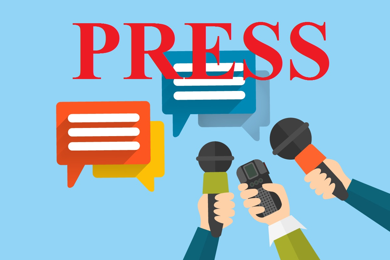पत्रकारों के बीच आफिस में मारपीट
