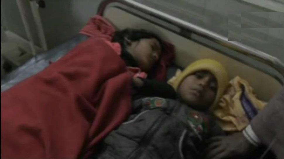 झारखंड : स्कूल में प्रसाद खाने के बाद बीमार हुए 40 बच्चे