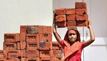 मोदी सरकार में बदहाल हुई ग्रामीण अर्थव्यवस्था