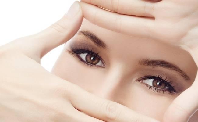 आंखों की रोशनी बढ़ाने में मदद करेंगे ये 5 घरेलू उपाय