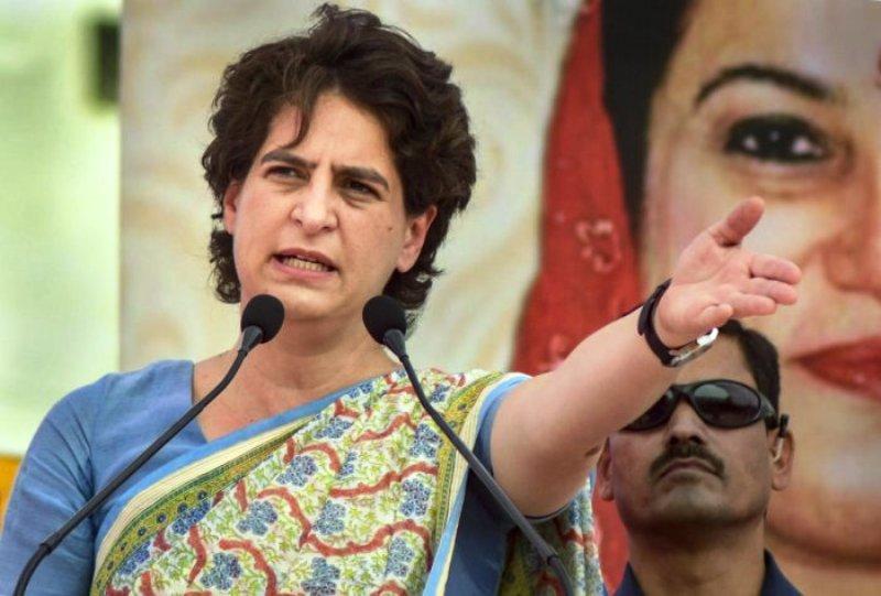 वाराणसी में आज रोड शो करेंगी प्रियंका गांधी
