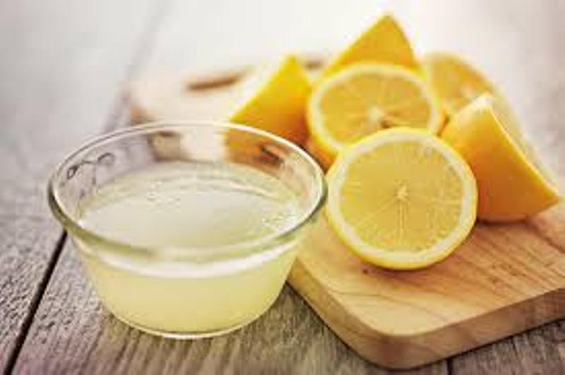 जानिए गर्म नींबू पानी पीने के फायदे